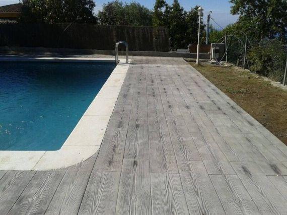 cemento imitacion madera por piscina