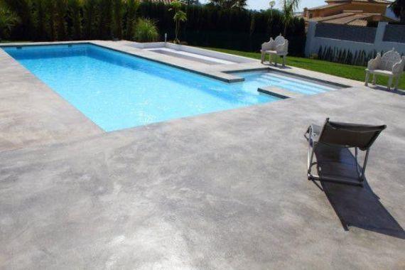 suelo en microcemento para piscinas
