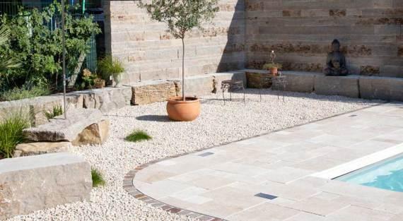 pavimento piedra para su piscina